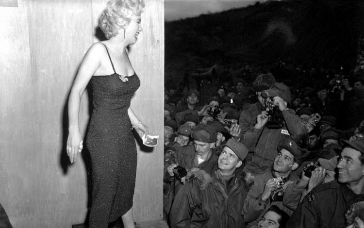Marilyn Monroe Beauty and Love Quotes